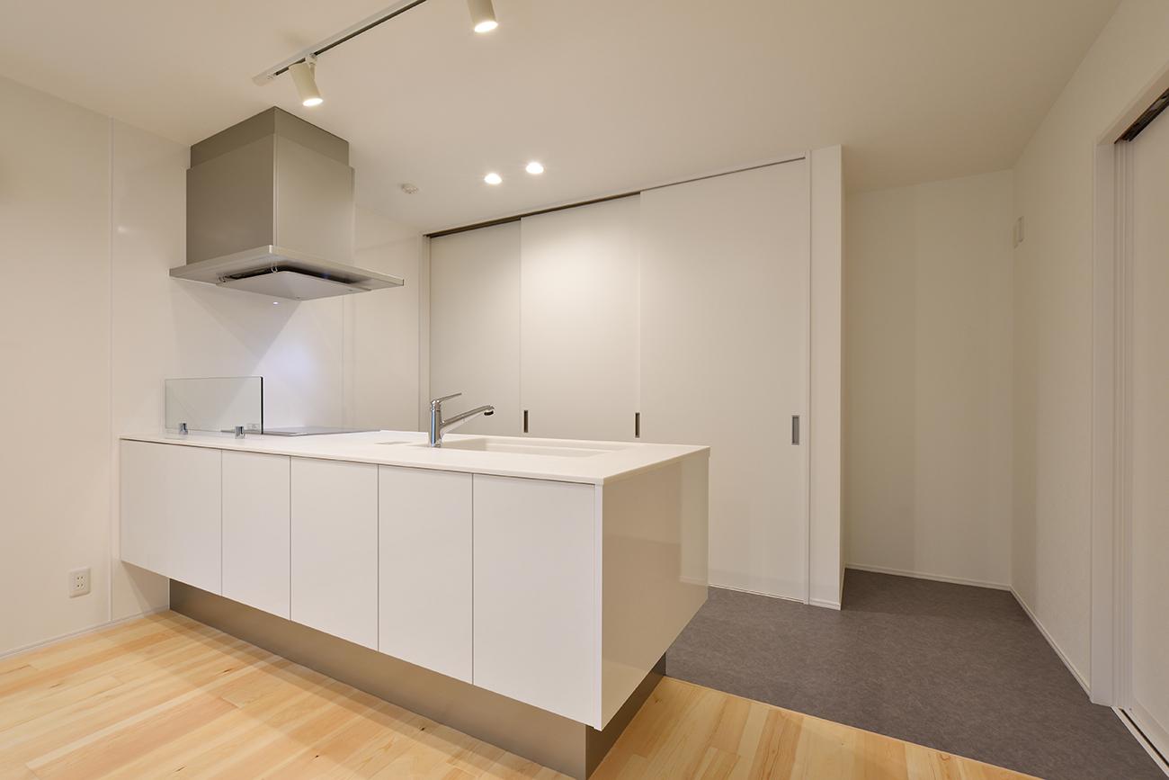 ダークグリーンのシンプルな四角いお家、注文住宅Simple Box02