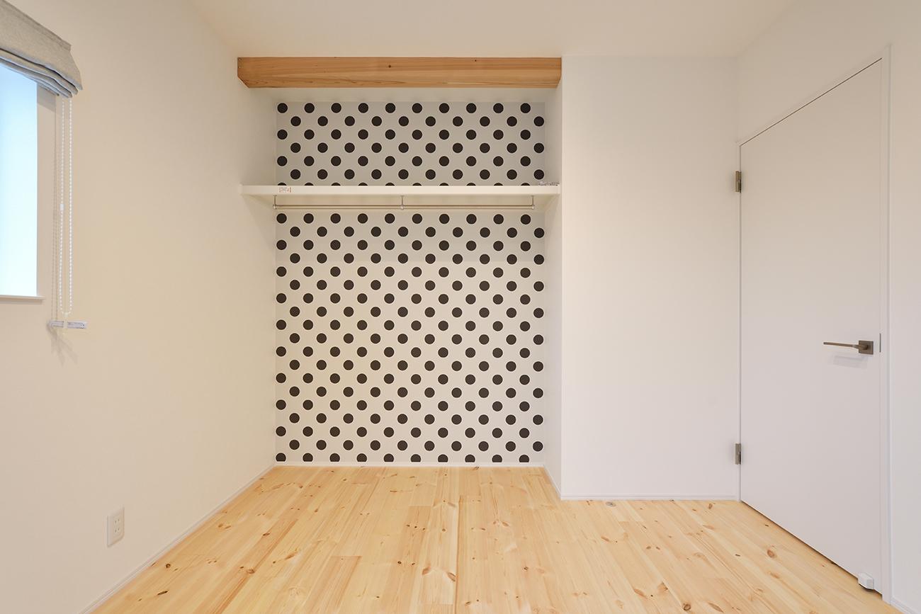 ダークグリーンのシンプルな四角いお家、注文住宅Simple Box09
