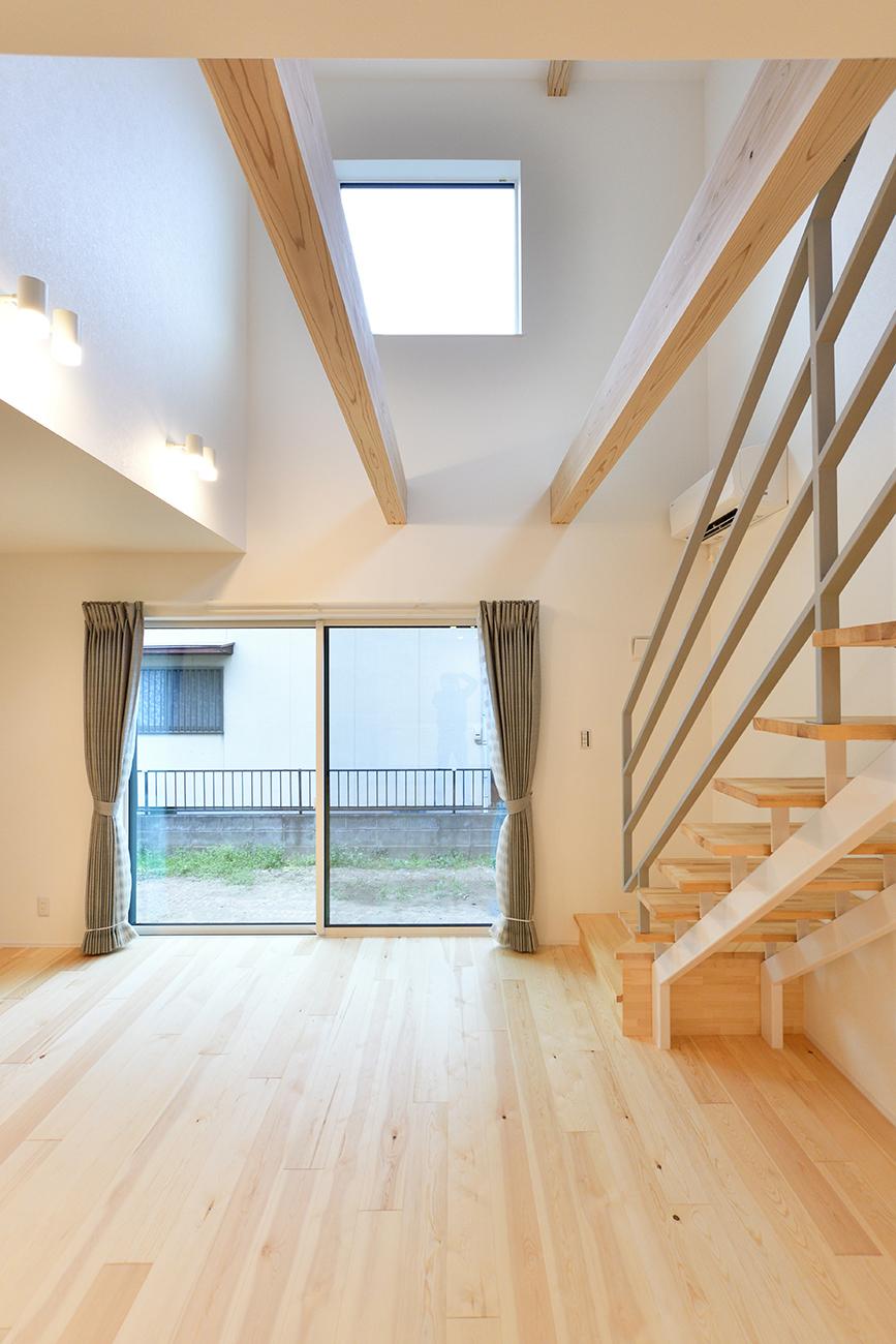 ダークグリーンのシンプルな四角いお家、注文住宅Simple Box05