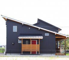 福岡県久留米市の注文住宅会社ホームラボFREEQLOAFERの外観施工事例画像