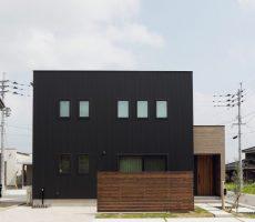 福岡久留米の注文住宅会社工務店ホームラボのボックス型SimpleBoxの外観施工事例