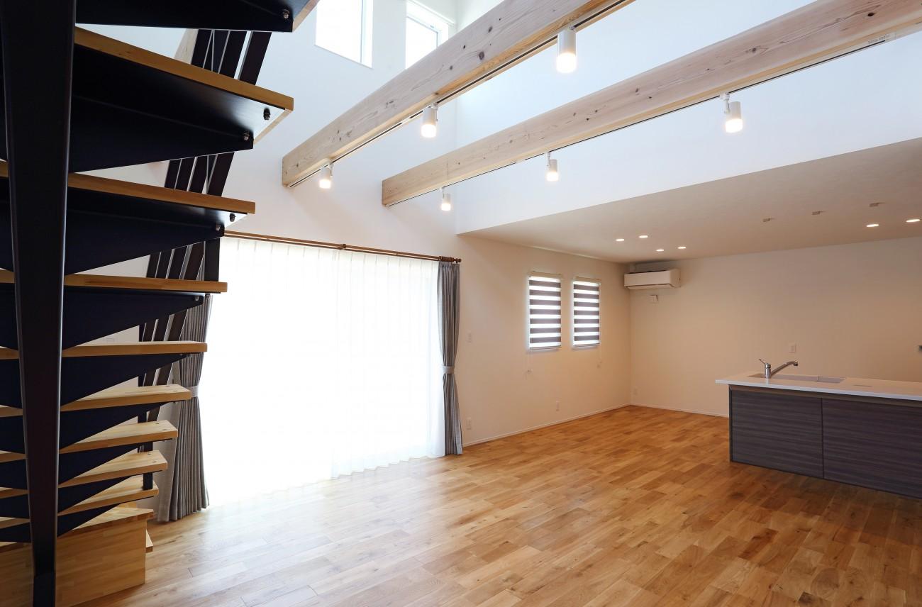 黒とオークのツートンがかっこいいお家、注文住宅Simple Box +Box(シンプルボックル+ボックス) 12