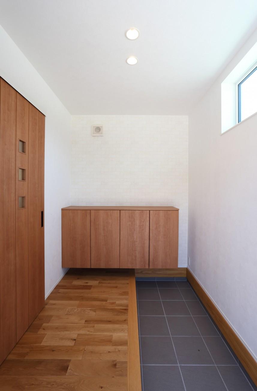 黒とオークのツートンがかっこいいお家、注文住宅Simple Box +Box(シンプルボックル+ボックス) 04