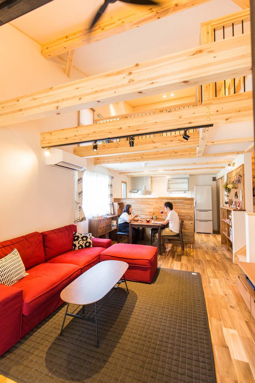 福岡県久留米市の注文住宅会社ホームラボのLOFERリビング施工事例画像