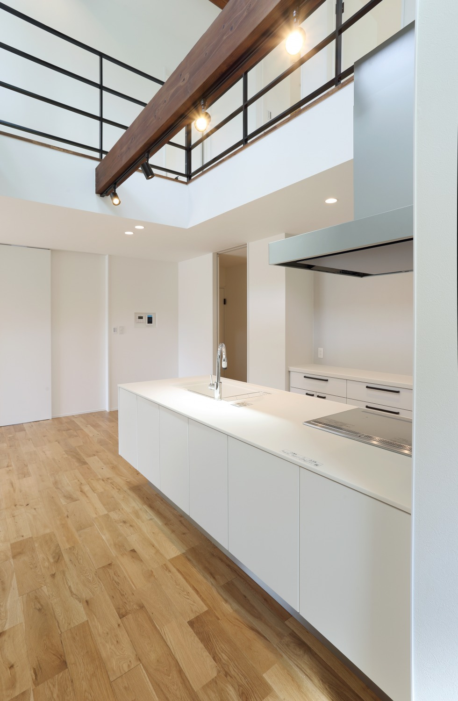 キッチン上部に吹き抜けがある注文住宅Simple Box07