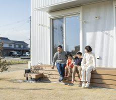 家族の気配を感じられる家 注文住宅Simple Box