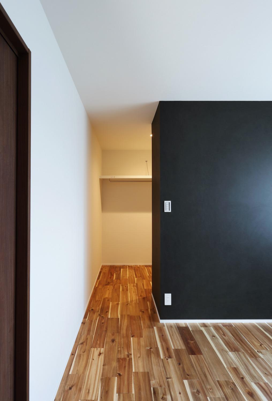 ダークトーンがオシャレな。注文住宅Simple Box08