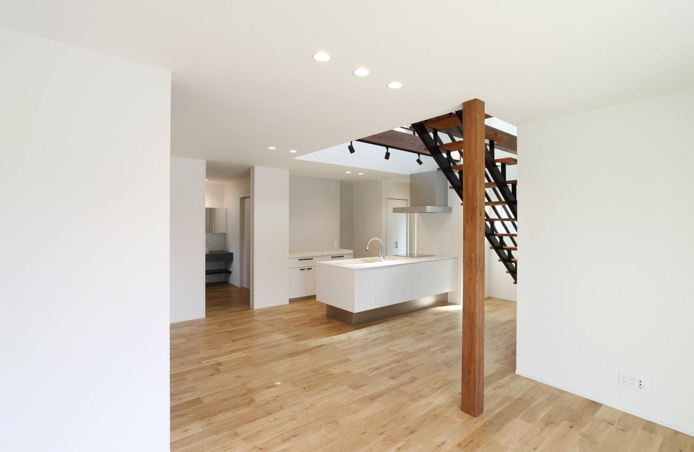 キッチン上部に吹き抜けがある注文住宅Simple Box03