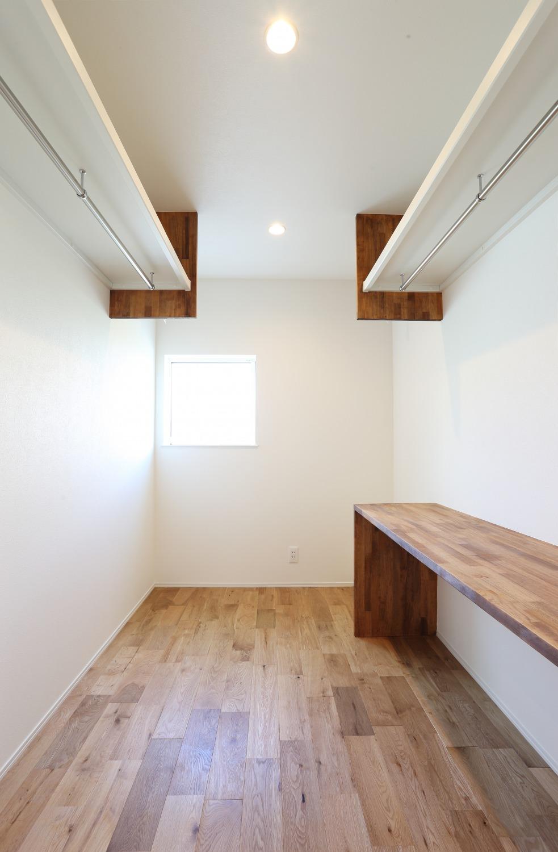 キッチン上部に吹き抜けがある注文住宅Simple Box08