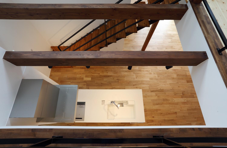 キッチン上部に吹き抜けがある注文住宅Simple Box13