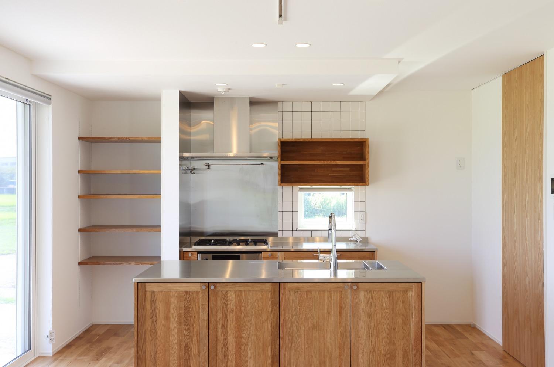 家族の気配を感じられる家 注文住宅Simple Box01