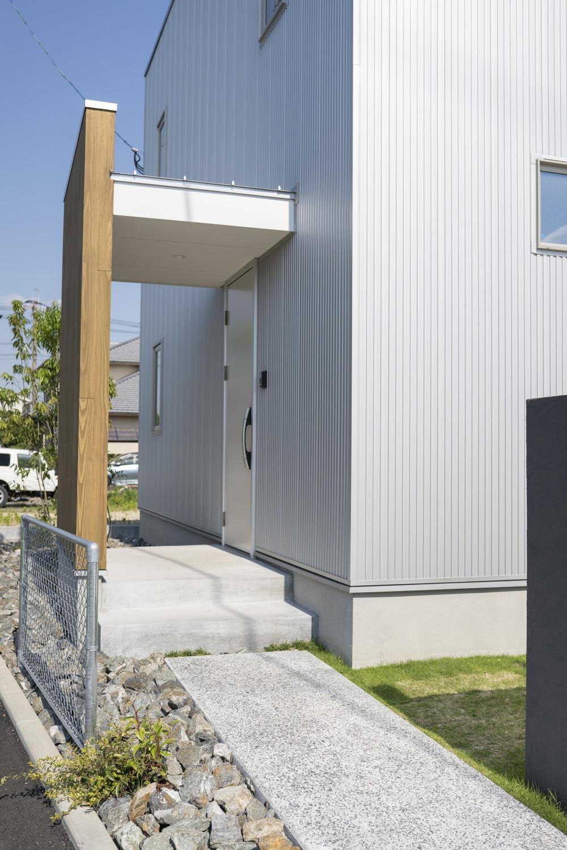 ママが思い描いた理想の家。快適な間取りは家族への愛の家。SimpleBox+Box02